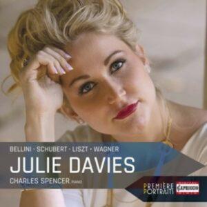 Première Portraits - Julie Davies