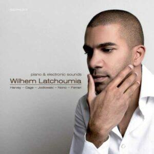 Latchoumia : piano & electronic sounds.